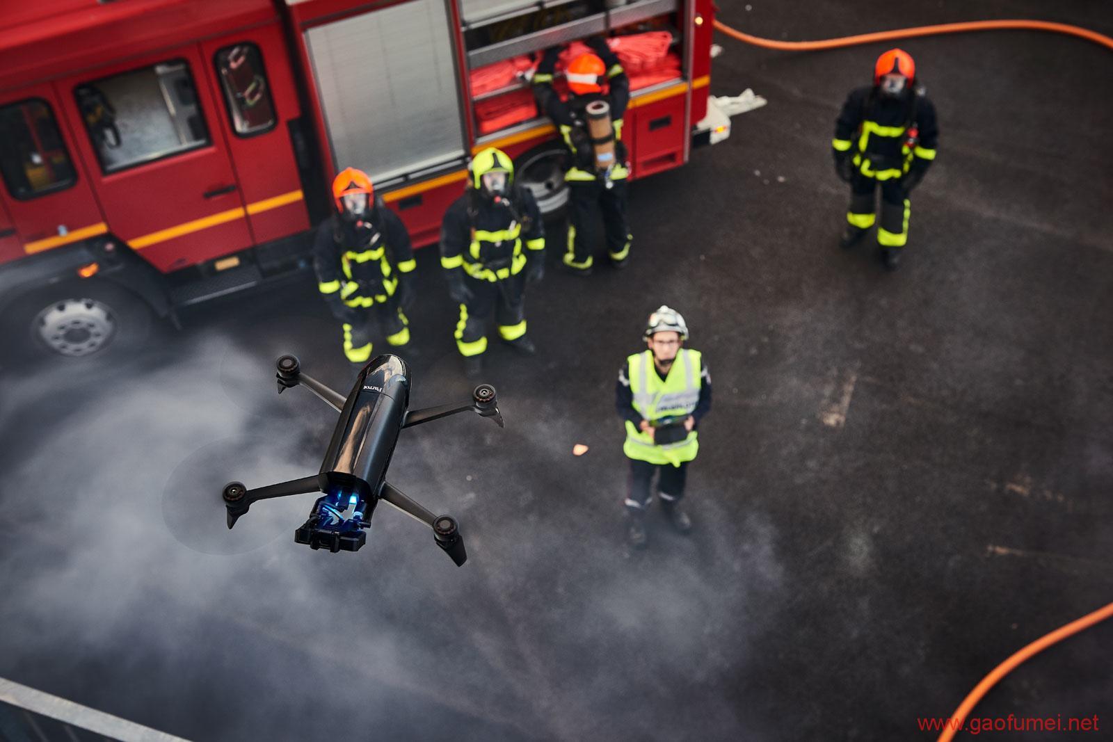 法国无人机公司Parrot推出两款新品下火场上农田开拓专业领域