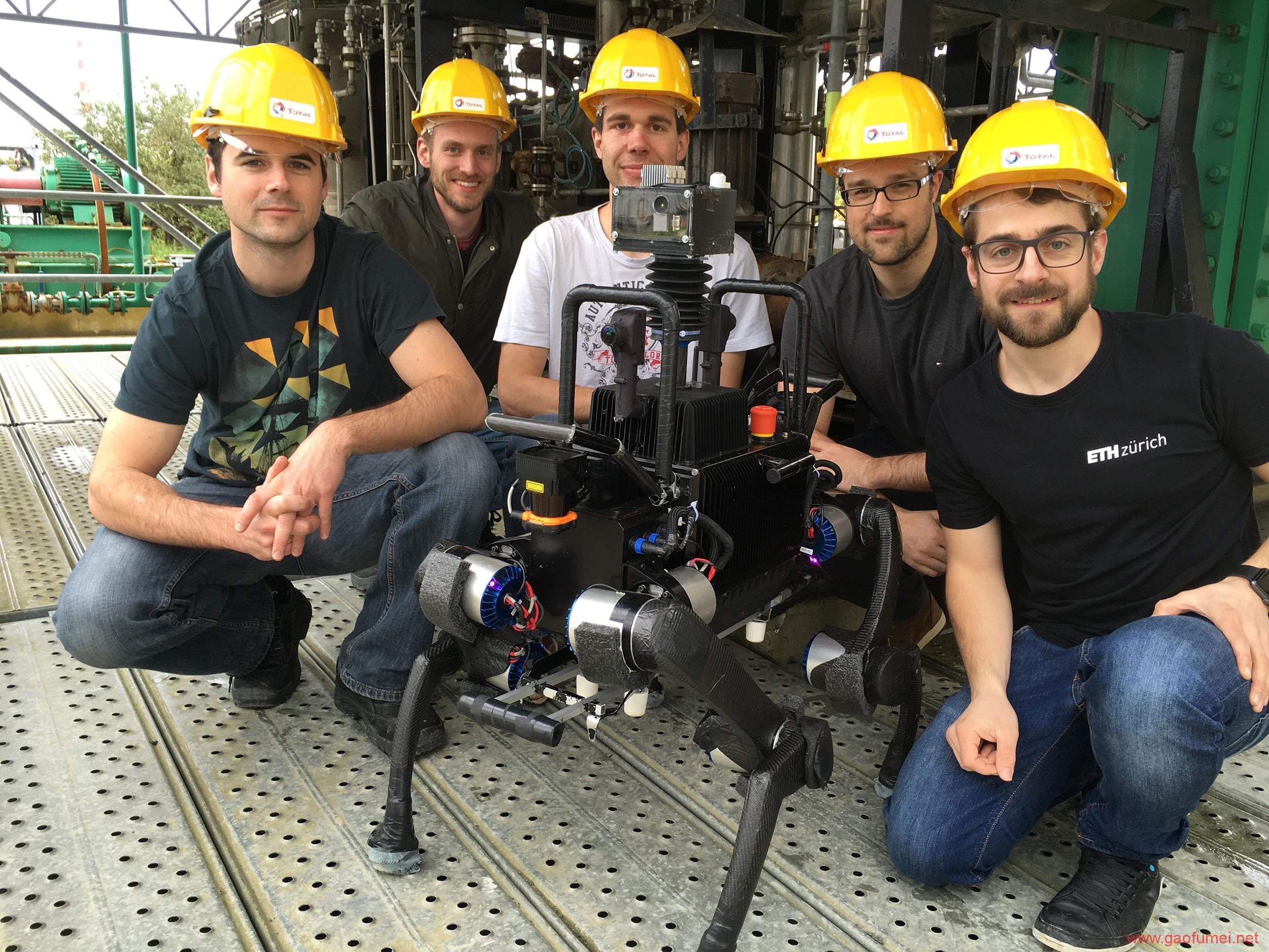 苏黎世联邦理工研发商用四足机器人爬楼梯坐电梯都不是事儿