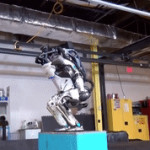 波士顿动力发布新人形机器人可旋转跳跃后空翻