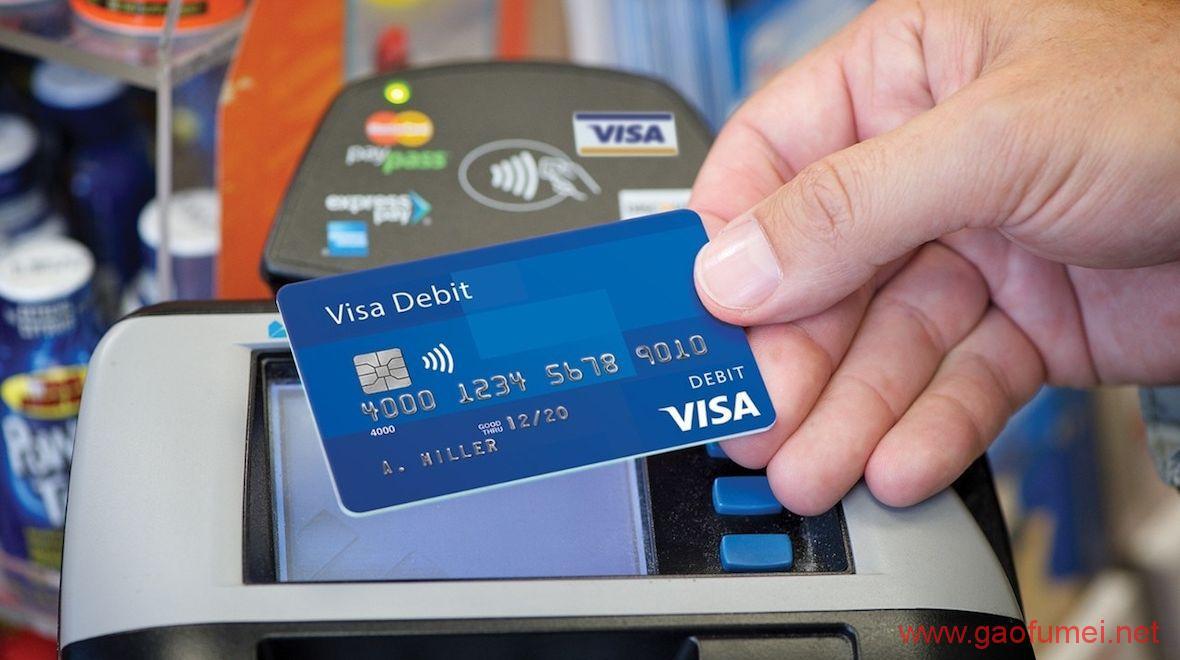 Visa开发结合可穿戴设备和生物识别的新支付技术无需密码贴在皮肤上就能交易