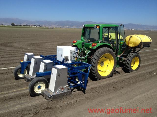 """约翰迪尔收购Blue River Technology他们的设备可以""""武装""""科技农民"""